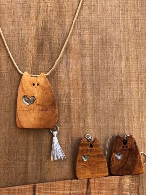 دستبند چوبی طرح گربه